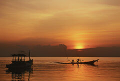 Dash for home, Pra Ngan beach, Thailand, Krabi, boat, long prop, silhouette, reflection, sun