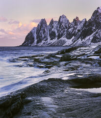 Dawn at the Devils Teeth, Tungensnet, Senja, Norway, sunrise, weather, precipitous, escarpment, clouds, rosy, tinge, pin
