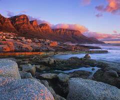 Camps Bay Sundowner, Camps Bay, South Africa, Africa, sunset, plateau, cliffs, amber, scarlet, fireball, sun, sea, ember