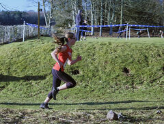 Maintaining Form, Haddo House, Ellon, Scotland, Lauren, form, running, descent, grassy, drop, two miles, under 15, compe
