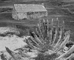 Old Boat Shed Mono