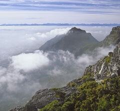 Tabletop View, Table Top Mountain, Capetown, South Africa, mist, low, cloud, obscuring, top station, mountain, sun, hill