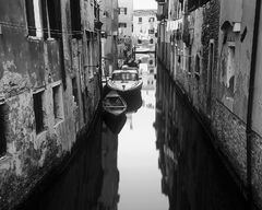 Venetian Backwater Mono, Venice, Italy, black and white, elegance, decay, forgotten, morning, old