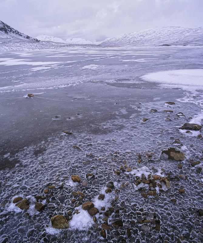 Aero Ice, Loch a Bhraoin, Highland, Scotland, desolate, derelict, bothy, stream, loch, Fannich, mountains, ice, red photo