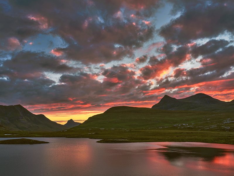 Afterglow Knockan Crag, Knockan Crag, Assynt, Scotland, Stac Pollaidh, summer, conical, summit, tangerine  photo