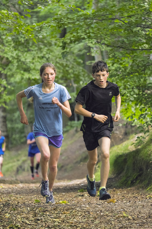 Ben Cameron and Anna MacFadyen lead the way from start to finish so every lap they were the first to emerge along the path and...