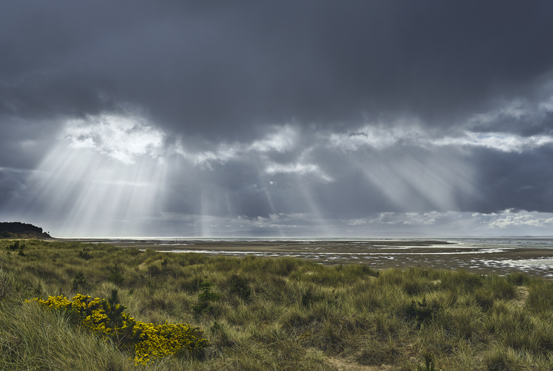Breakthrough Findhorn, Findhorn, Moray, Scotland, day time, aurora, dancing, sunlight, gaps, cloud, sparkle, rays photo