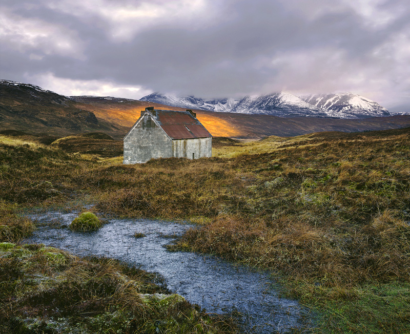Ceciles House Dawn, Fain, Braemore Junction, Scotland, shabby, house, transient light, blood red, slope, An Teallach, pe photo