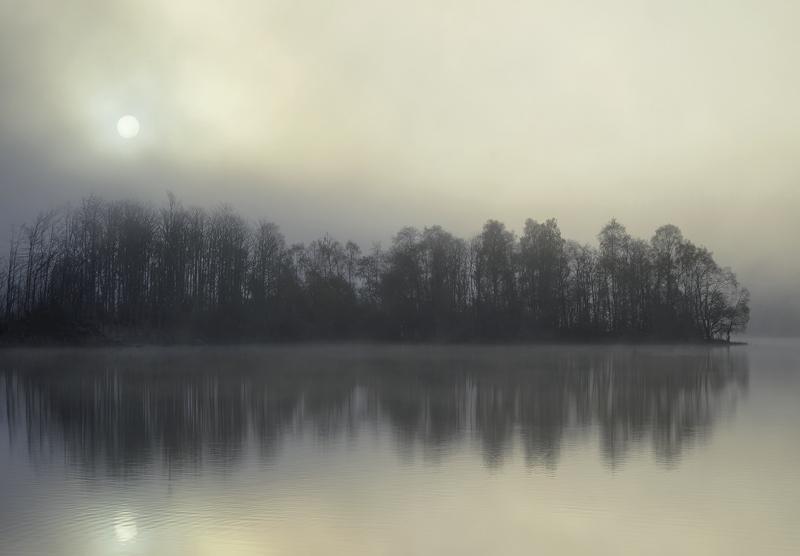 Champagne Sunrise Rusky, Loch Rusky, Trossachs, Scotland, fizz, gorgeous, scene, emerging, mist, sunrise, backlighting,  photo