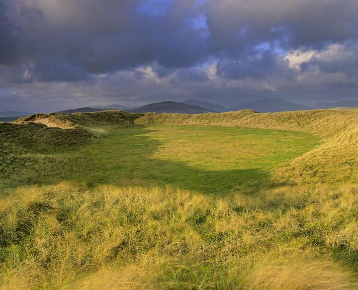 Dune Plateau Traigh Mhor Harris Scotland Transient Light