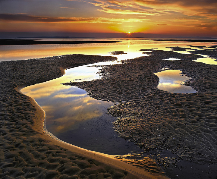 Ribbons Of Gold, Findhorn, Moray, Scotland, golden, sunlight, low, orb, sun, horizon, sunset, flare, compromise,  photo