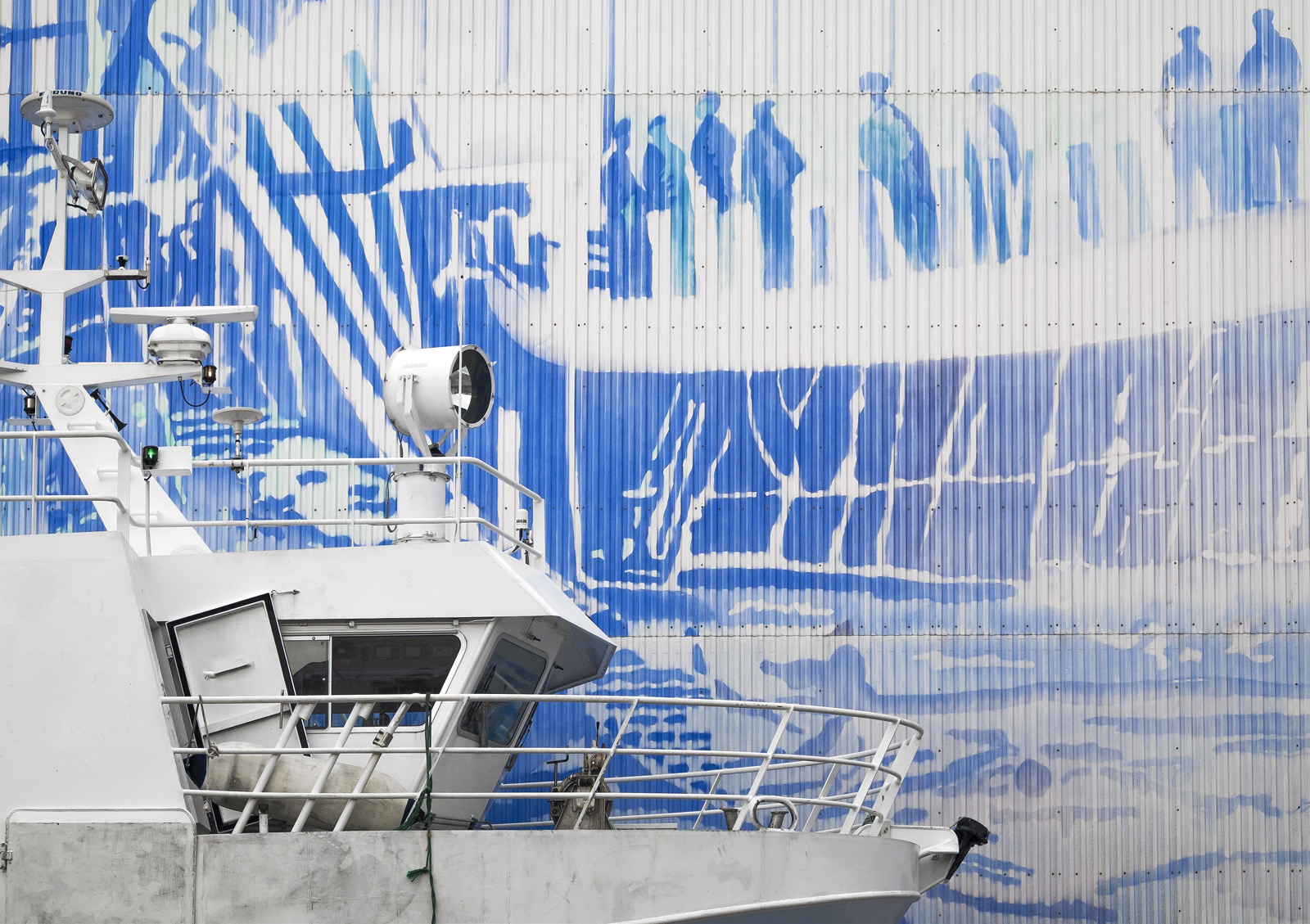 I came across this gigantic Wedgewood coloured mural on the side of a large hangar style boat shed and was immediately struck...
