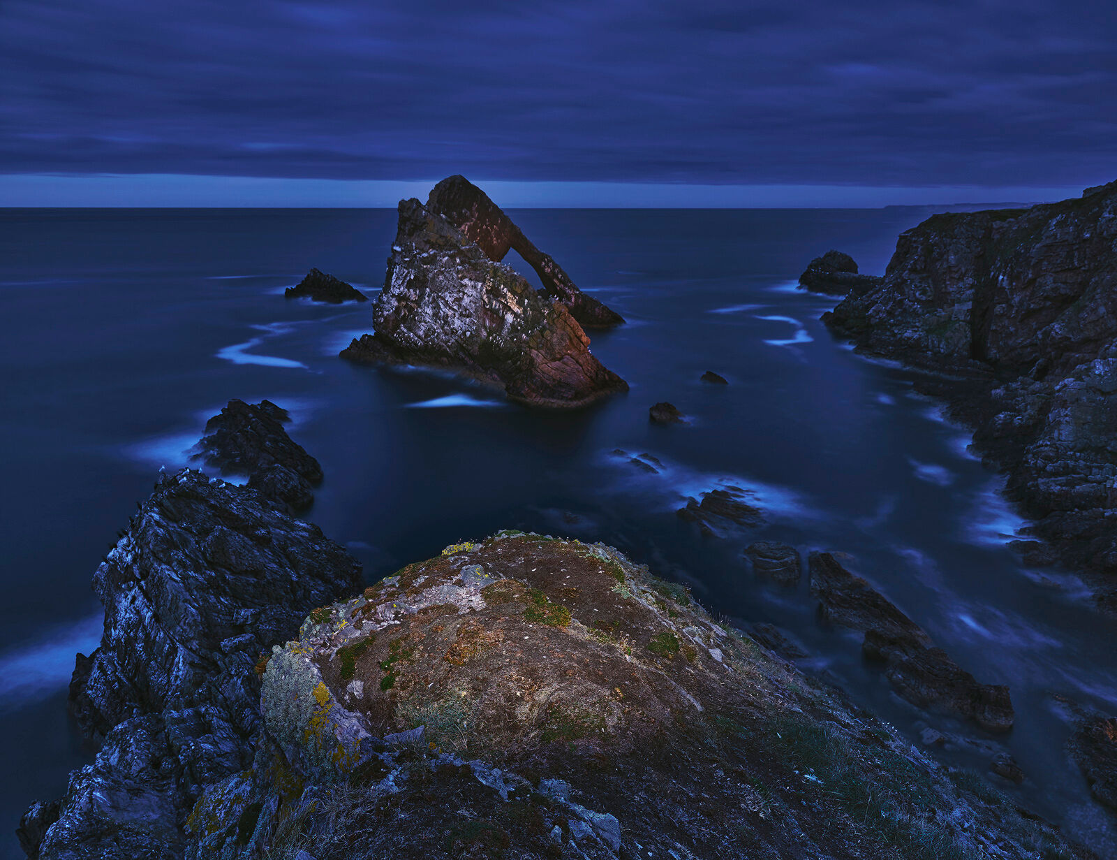 I don't really do an awful lot of light painting but I have always had this shot in mind as the Bowfiddle Rock is such a shapely...