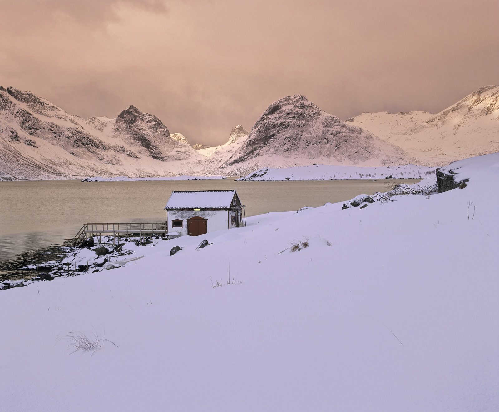 This is one of my very favourite locations around beautiful Selfjord in the Lofoten Islands.  Rarely had I seen deep snow...