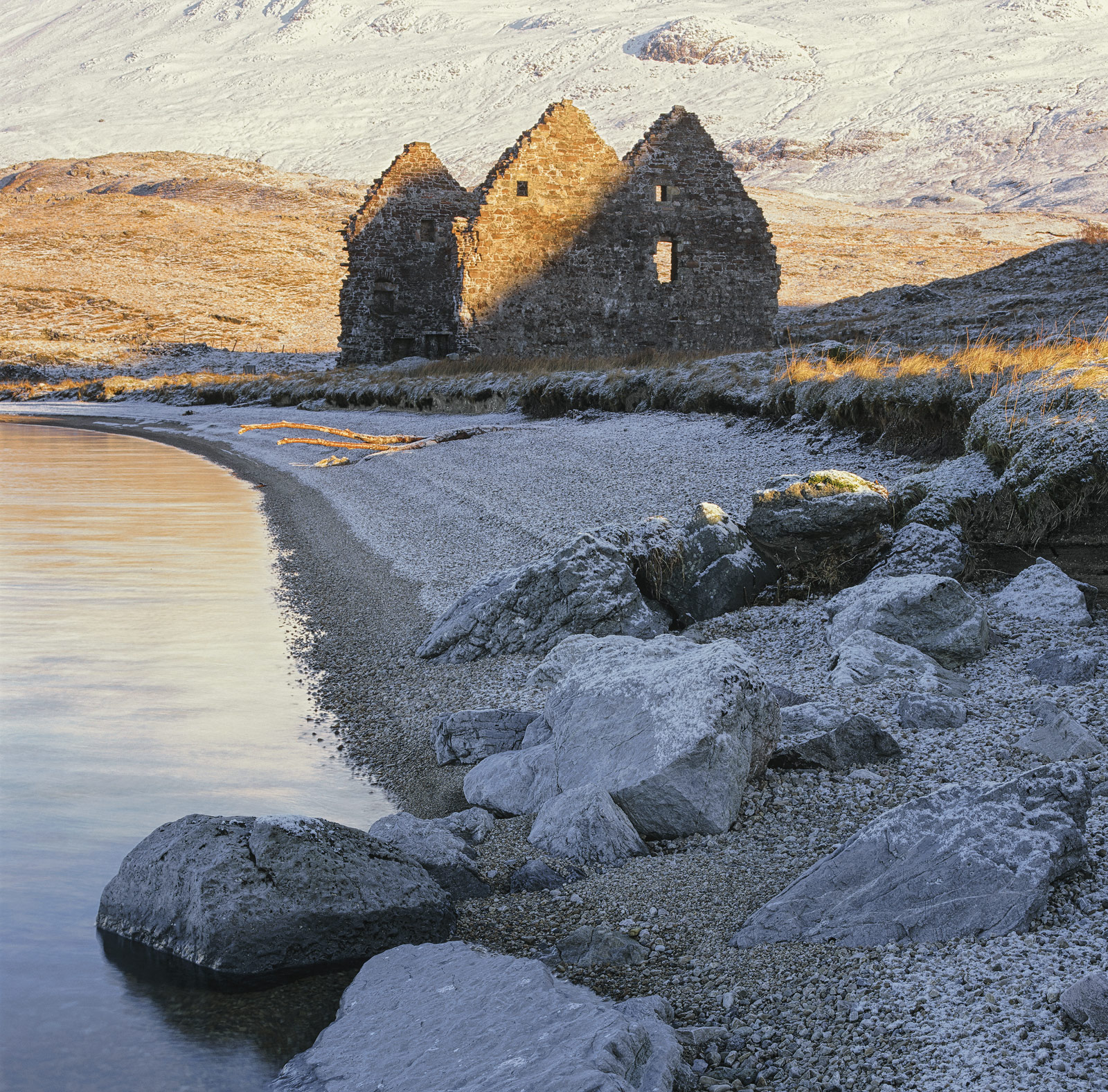 Calda House a derelict double gable ended ruin at the edge of Loch assynt near Ardvreck Castle has quite a history behind it...