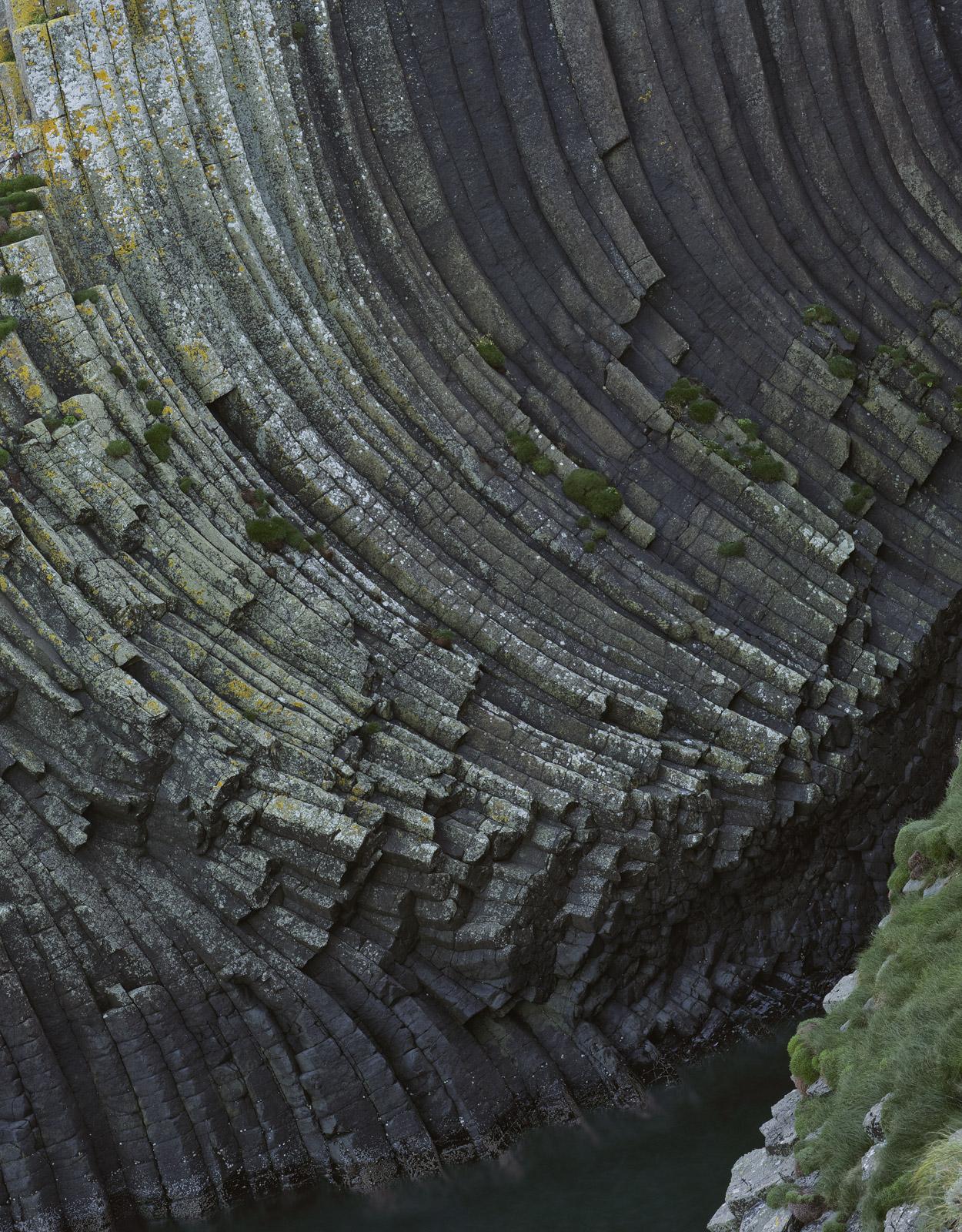 Clamshell Basalt, Staffa, Inner Hebrides, Scotland, cliff, remarkable, basalt, columns, island, curved, parallel, boat, photo