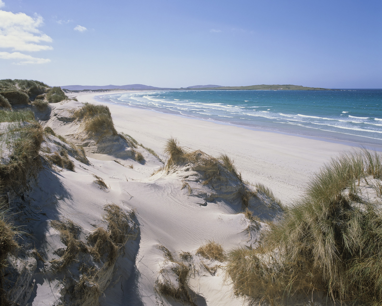 All the very best beaches in North Uist are a mile or so from the ring road that makes up the circuit of North Uist. Traigh...