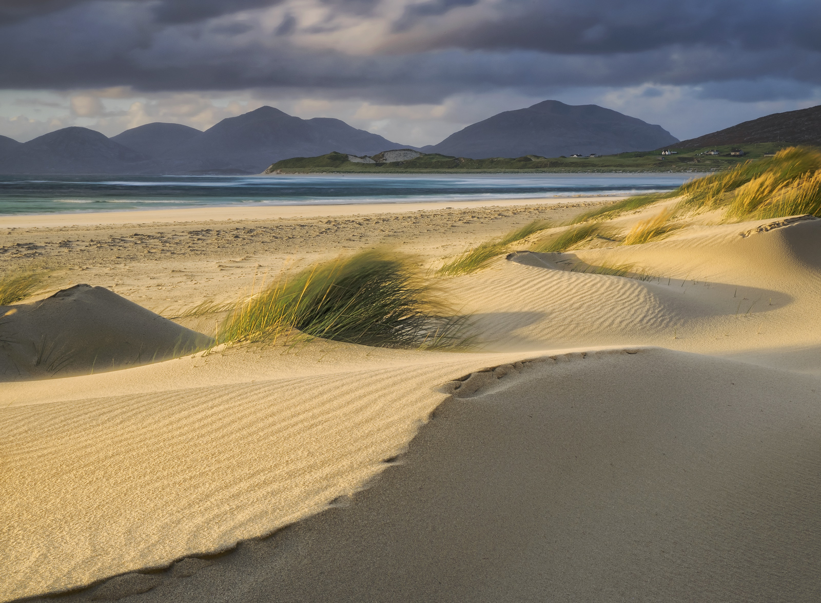 It had been blowing up a fine old storm a few days prior to my trip to Harris so when we descended on Seilebost on the day after...