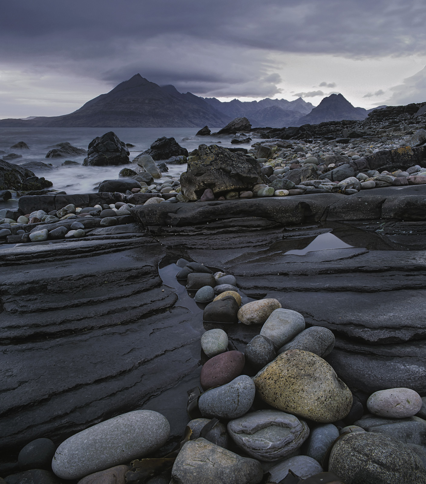 Elgol has a fascinating collection of rocks and pebbles of different shapes and sizes but above all of different hues....