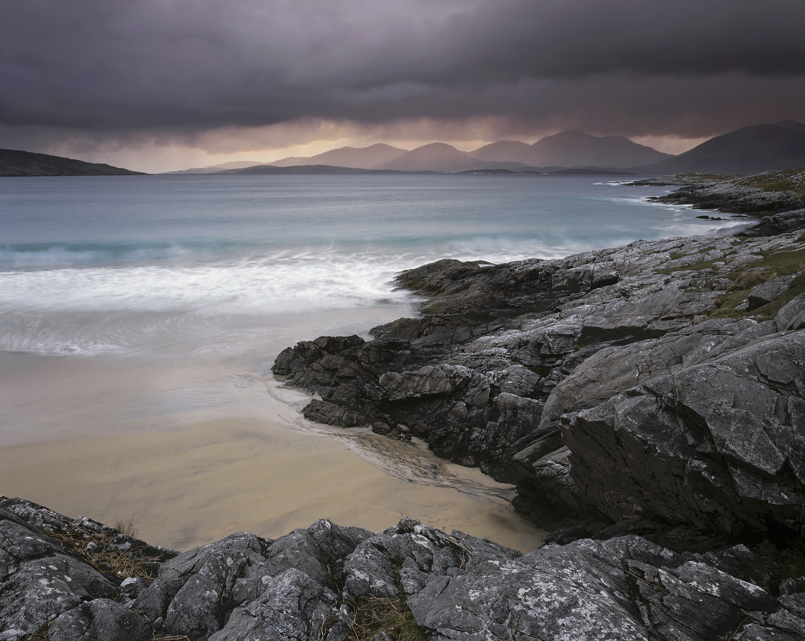 Quite possibly one of the most beautiful of Harris beaches, Traigh Rosamol has a long terrace of golden sand unblemished by seaweed...
