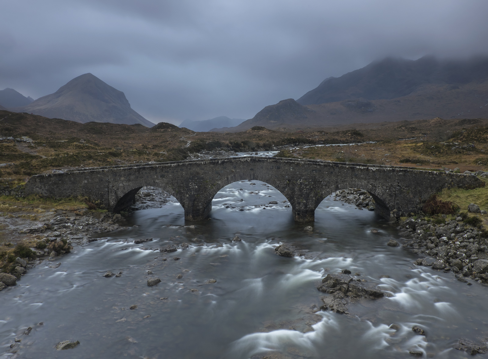 Gloomy Sligachan, Sligachan, Skye, Scotland, triple, arch, pack bridge, mountain, sunrise, rain, gloominess, river , photo