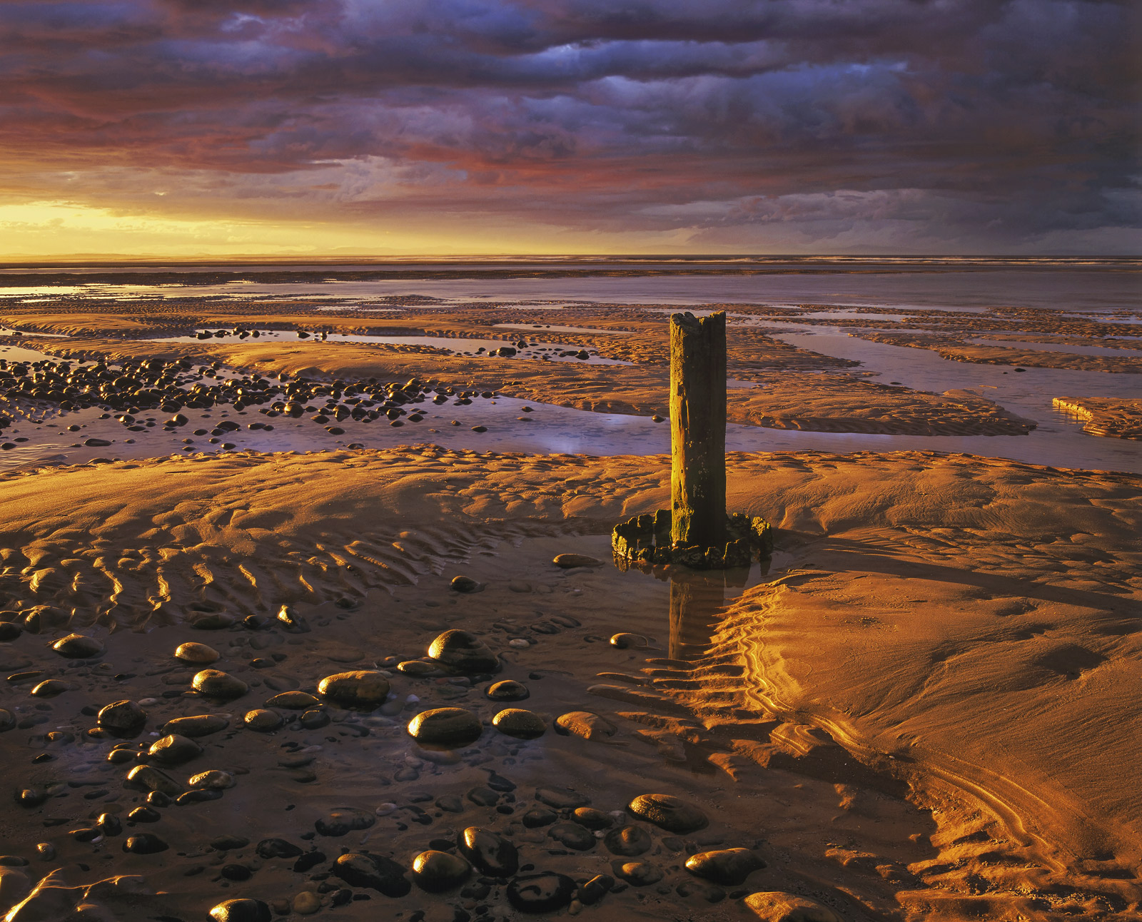 Gold Peg, Findhorn Bay, Moray, Scotland, banana, light, golden, sand, bay, magnificent, clouds, 24 carat, underbelly , photo