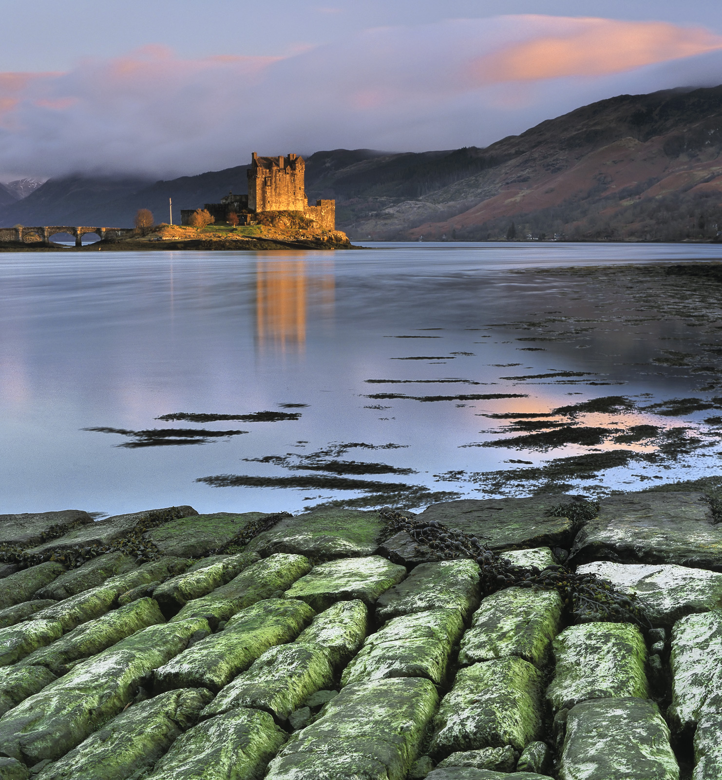 There was some stunning light on Eilean Donan Castle at Loch Duich just before sunset so rather than shoot the castle in silhouette...
