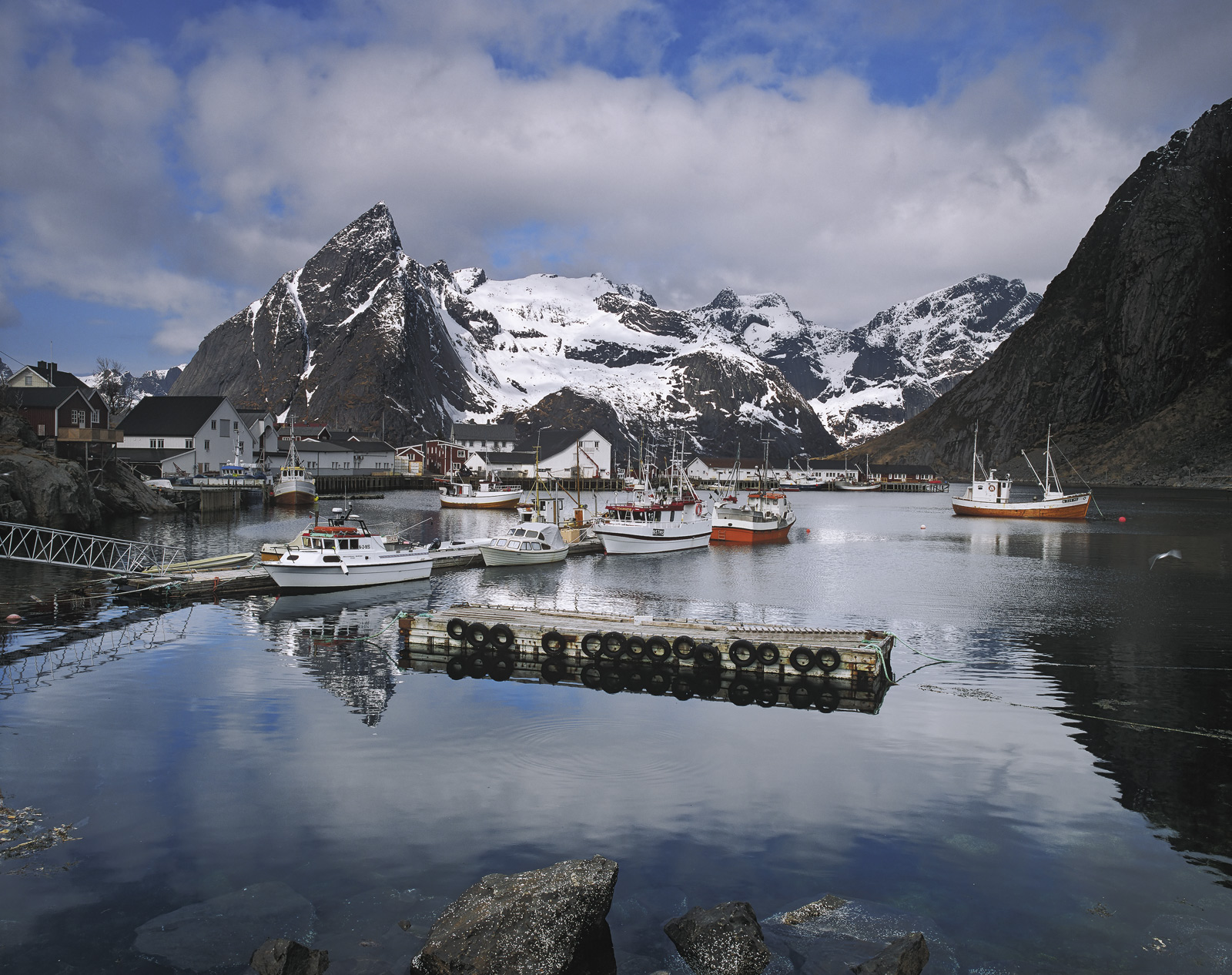 For my mind Hamnoy was the prettiest little harbour that I saw in the Lofoten islands and believe me that is really saying something...