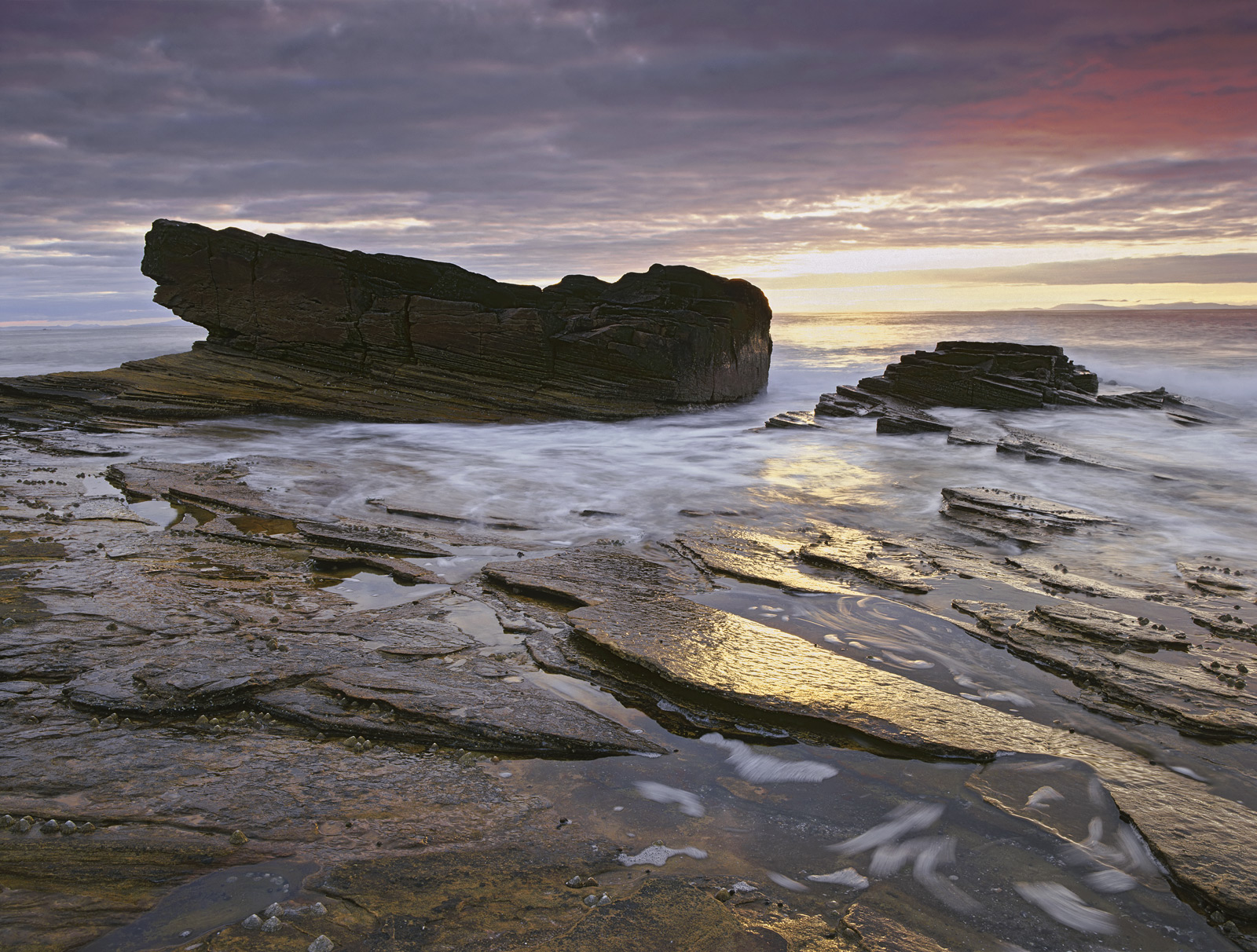 Sandstone rock being generally light and yellowish in colour has the ability to pick up warm sunlight and be greatly enhanced...