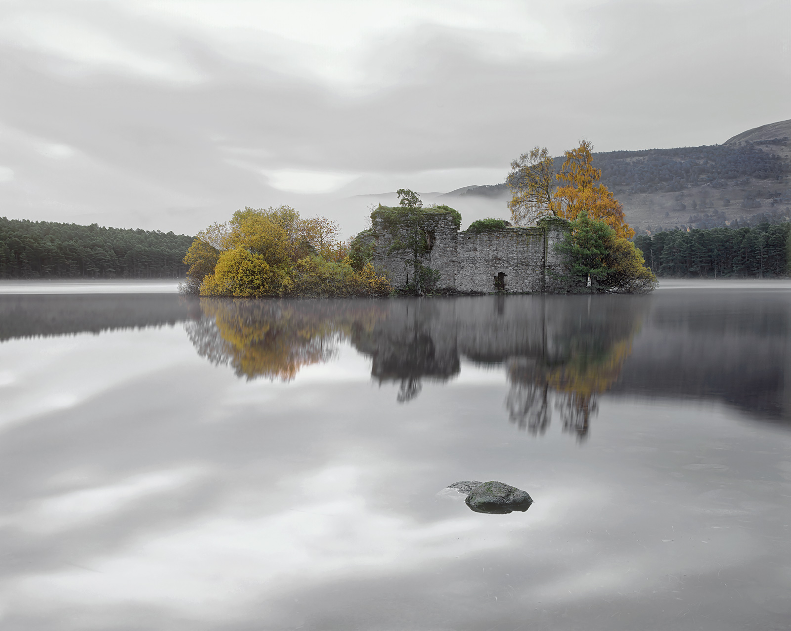 A dull grey autumnal morning was actually ideal for recreating the atmosphere and tranquility that the island castle naturally...