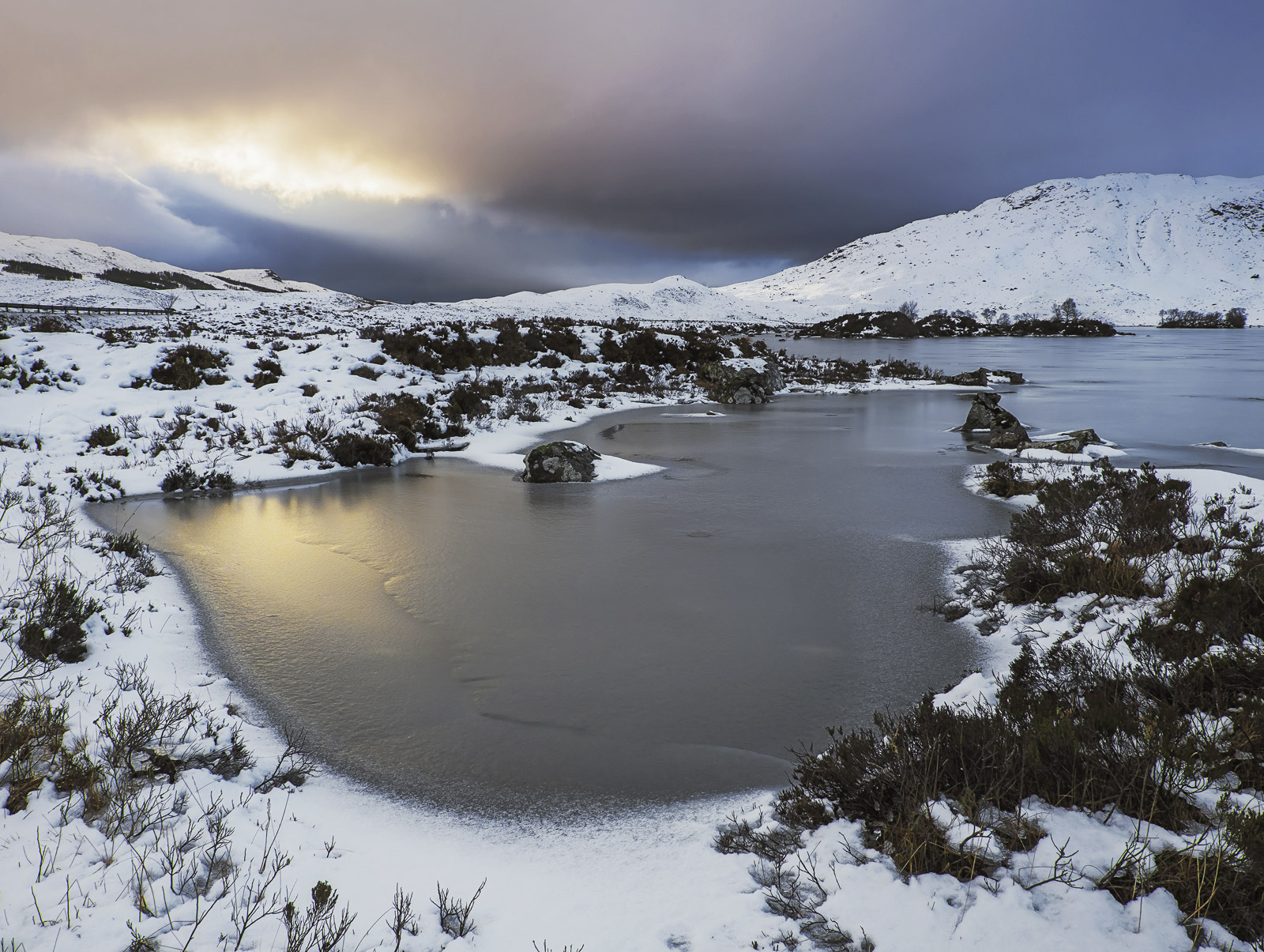 A winter morning which was mostly clouded over at Rannoch moor actually turned out rather better than expected. A very...
