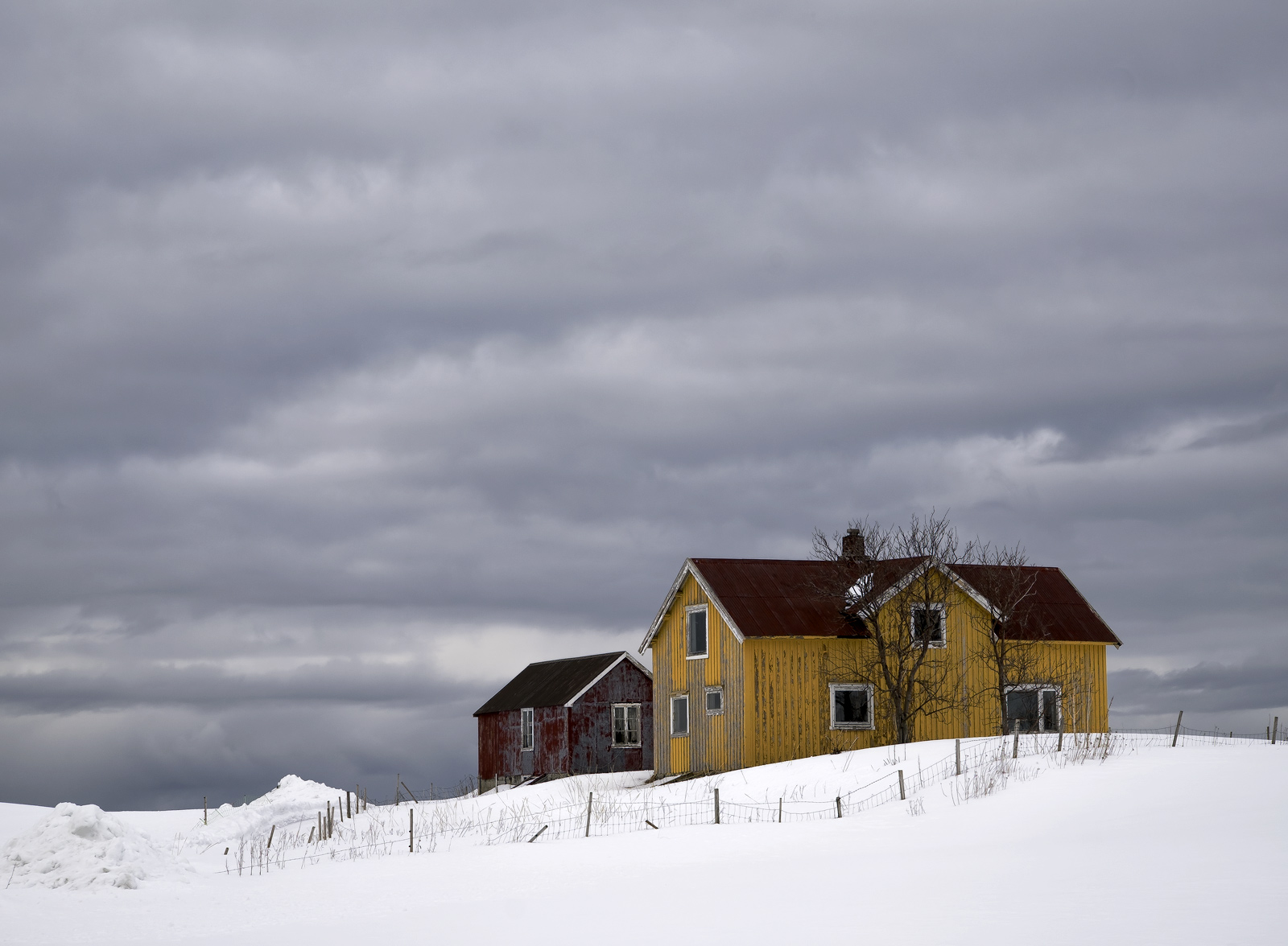 A lead grey sky filled with rolling cloud was all that was left of the heavy snow storm that fell on Flakstad beach and it's...