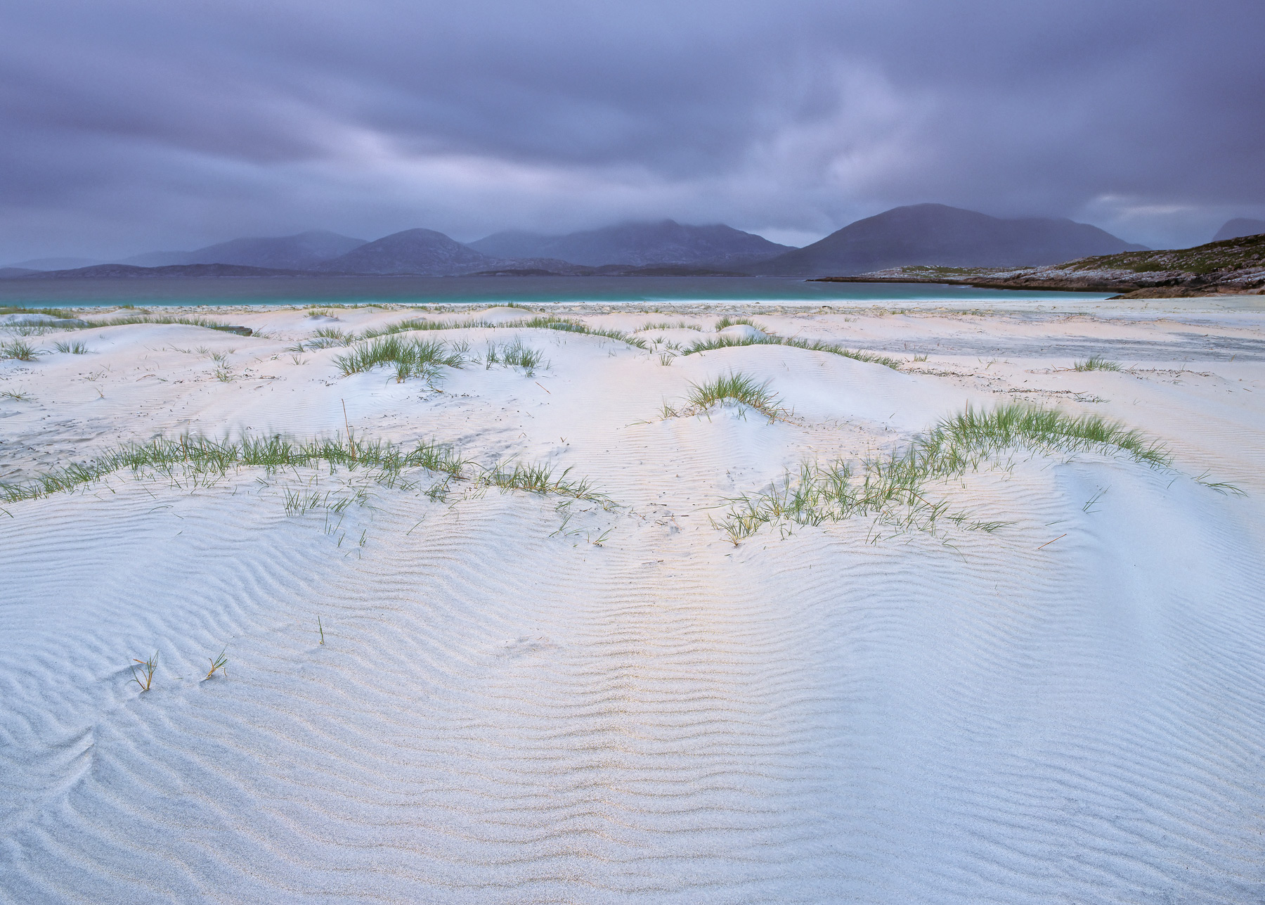 Traigh Rosamol near Luskentyre bay has always been a bit of a favourite of mine.  Not many beaches can boast a mountain backdrop...