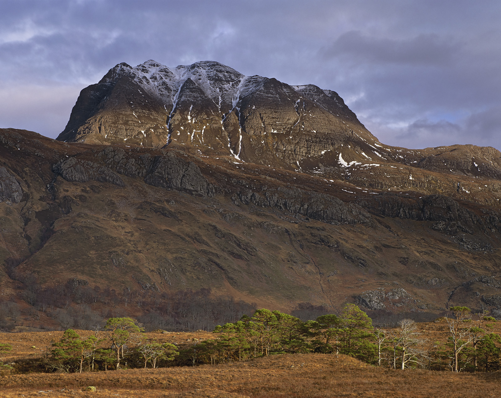 Befitting of Slioch's status as Lord and high master of all that he surveys, I was fortunate to find a small gap in the clouds...