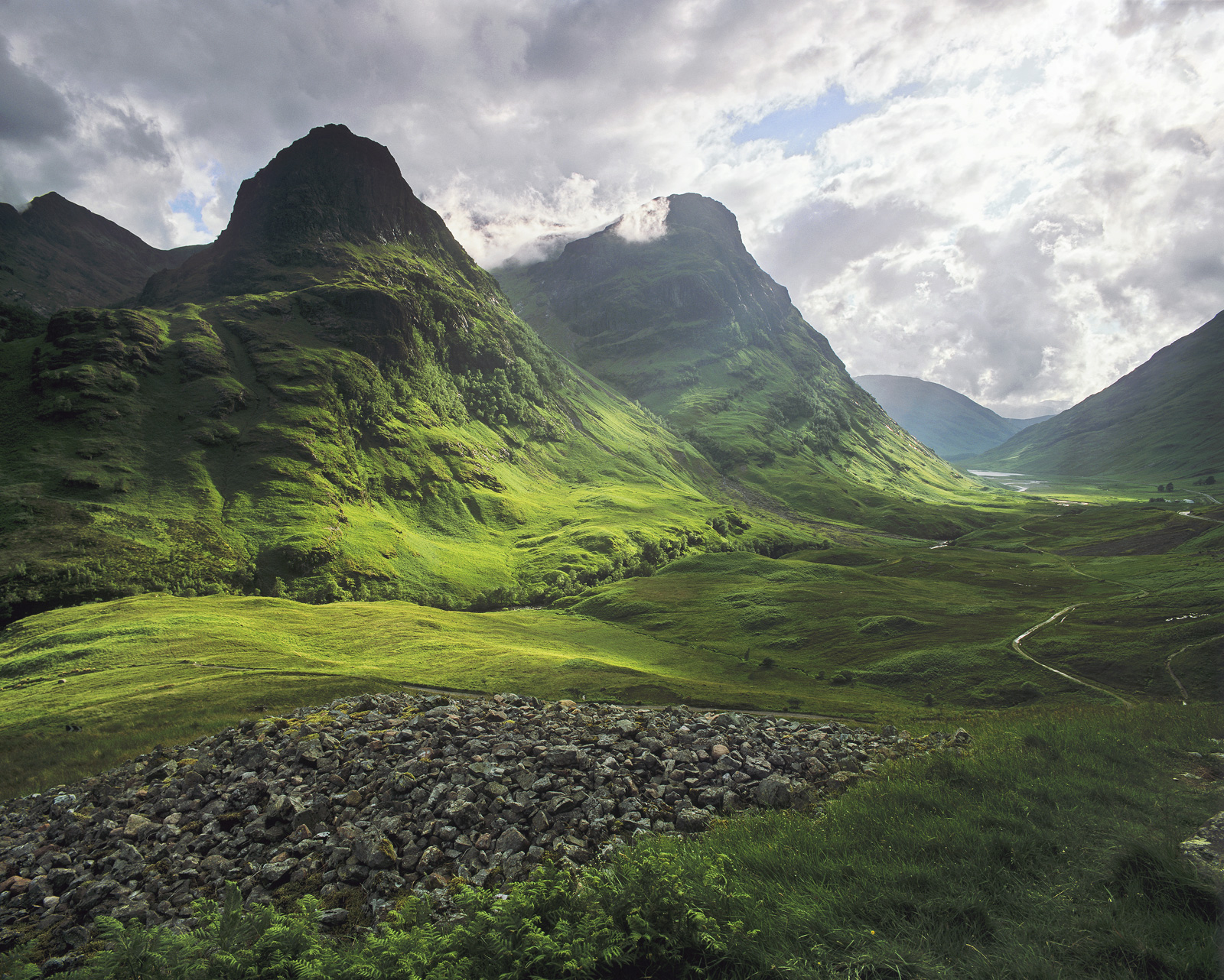 A summer storm in Glencoe temporarily paralyses traffic movementwith a cloudburst of truly epic proportions. Just...