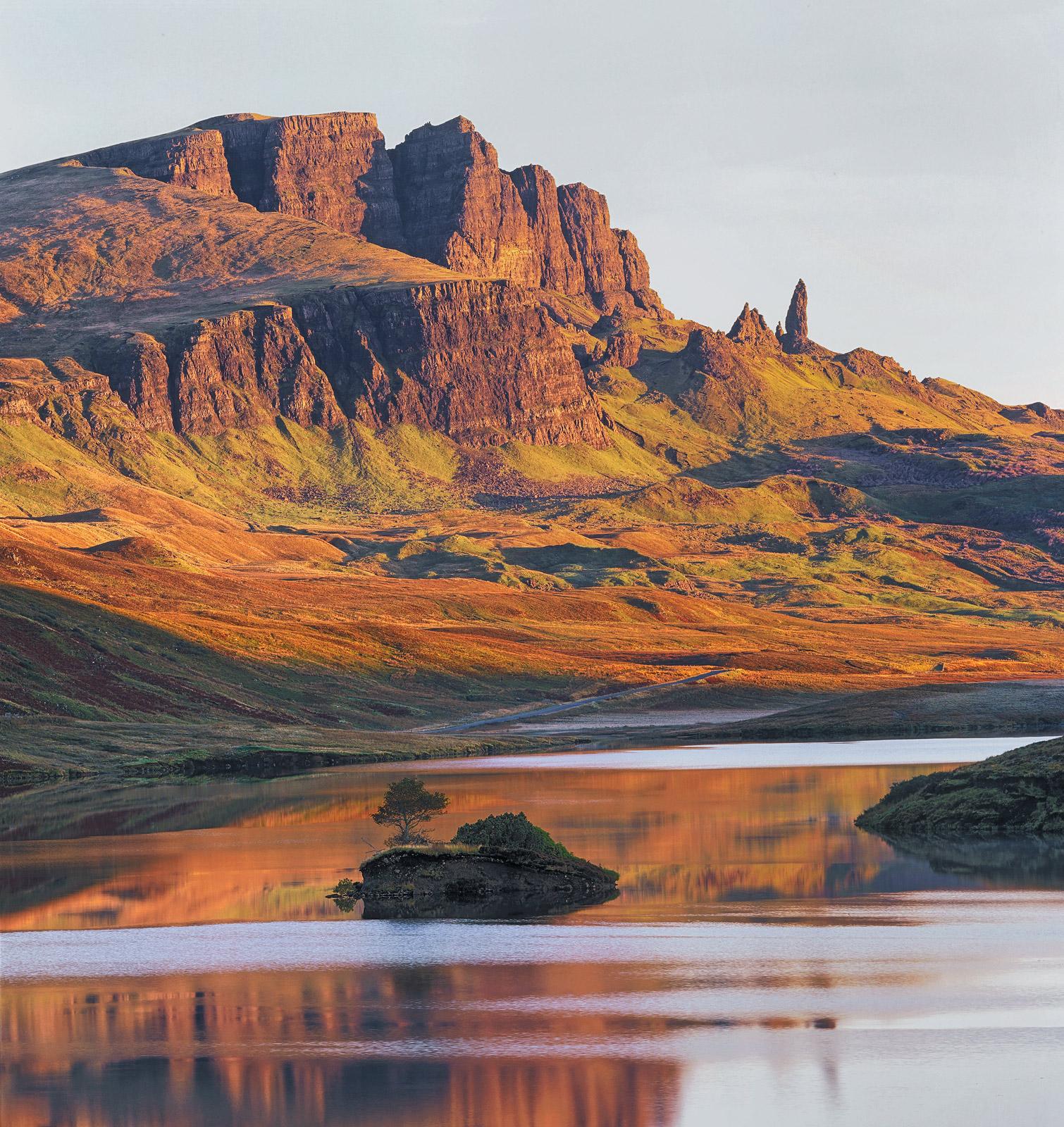 Sunrise Loch Fada, Loch Fada, Skye, Scotland, escarpment, Old Man of Storr, reflection, sunrise, colour, amber, cliffs, , photo