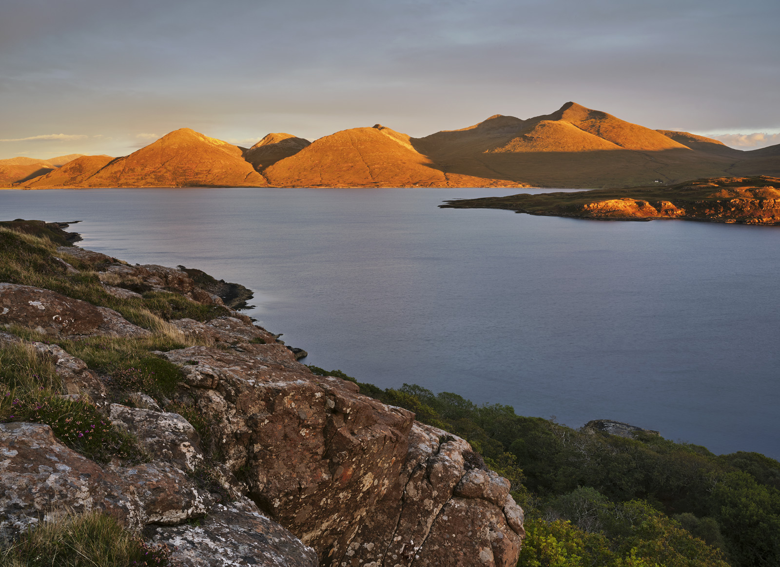 Sunset Loch Na Keal, Loch Na Keal, Mull, Scotland, sun, cloud, scythed, mountain tops, ginger, clear sky, red, rock, woo, photo