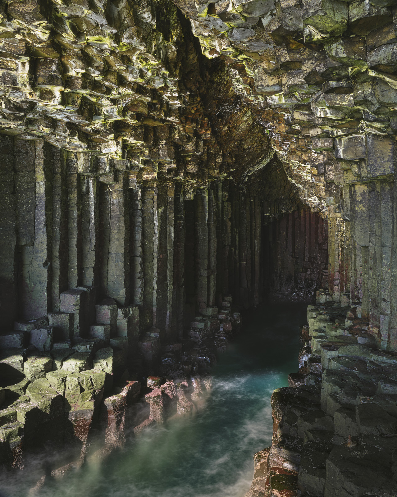 Tide Surge Fingal's Cave, Staffa, Inner Hebrides, Scotland, icon, cave, spectacular, hexagonal, terraces, basalt, column, photo