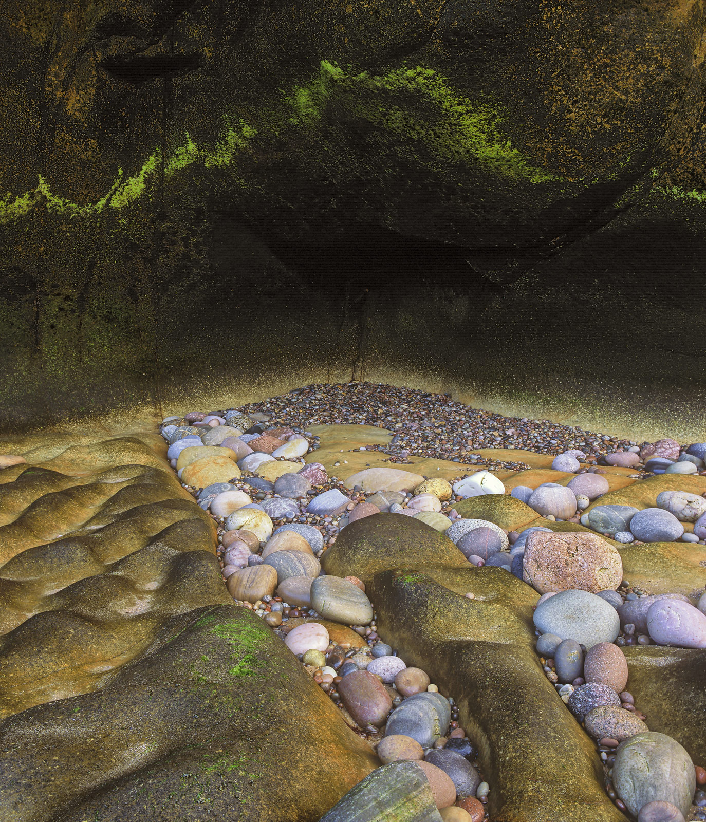Wall Art Cove Bay, Cove Bay, Moray, Scotland, coloured, pebbles, patterns, nature, green, algae, scribbled, arc, dimpled, photo