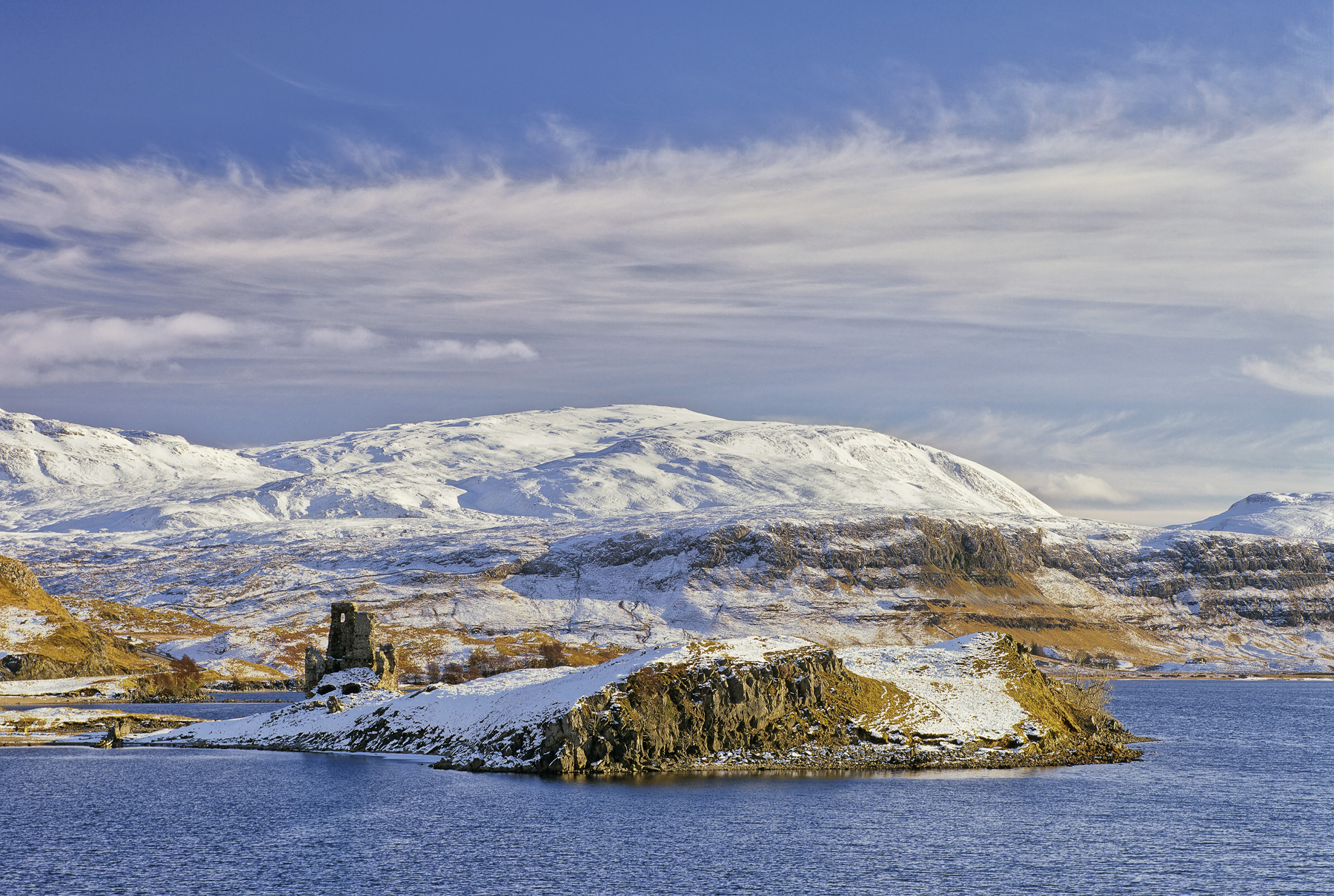 A perfectly straight forward shot of remote Ardvreck Castle on Loch Assynt on a very fine winter's day. Nothing clever about...