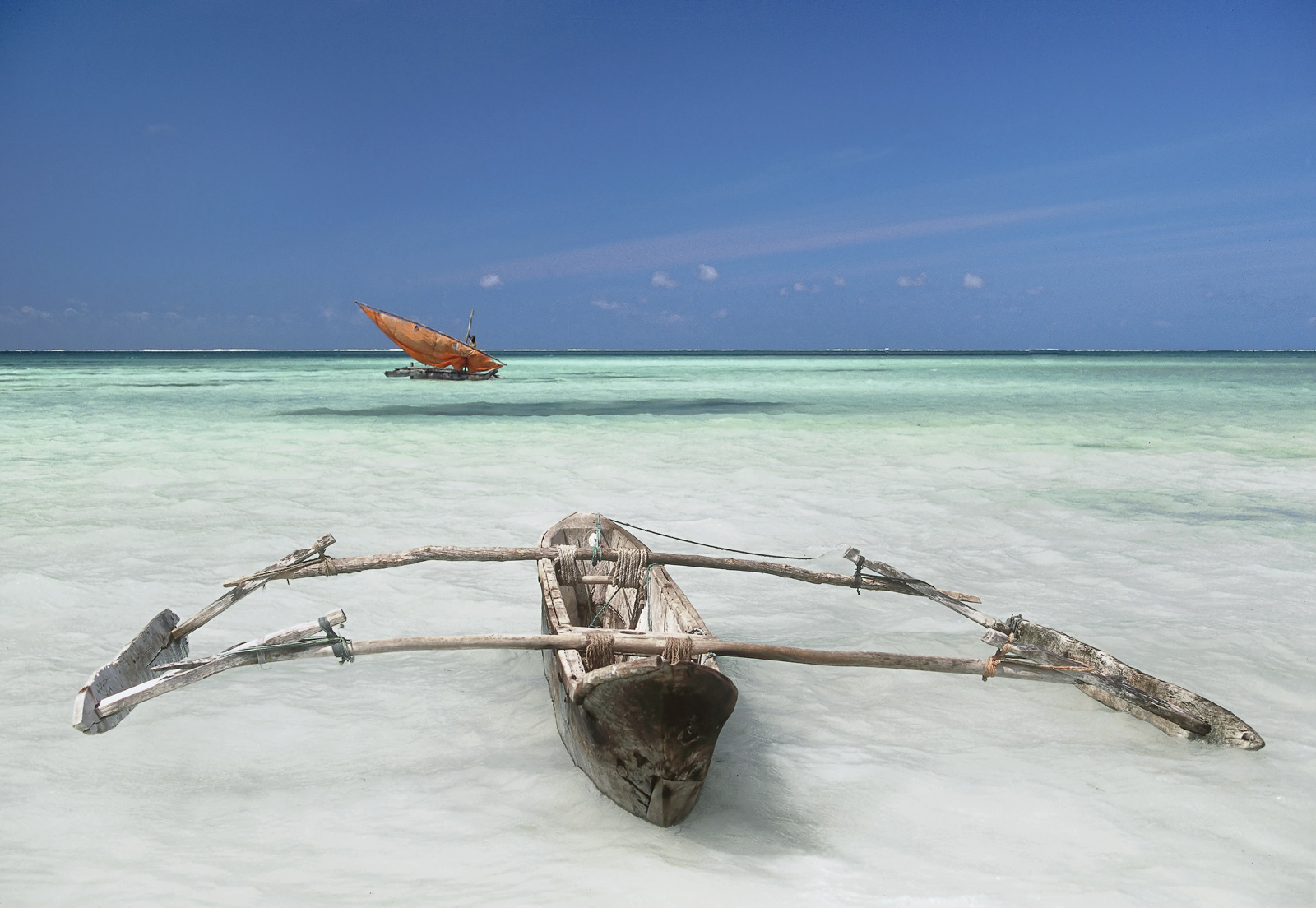 I came across this unbelievably beautful scene on the deserted east coast of Zanzibar.  After nearly 80 miles dodging palm trees...